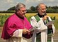 Halverde St Peter und Paul Zweiter Euthymiatag 2014 Prozession 01 Heinrich Mussinghoff Peter van Briel.JPG