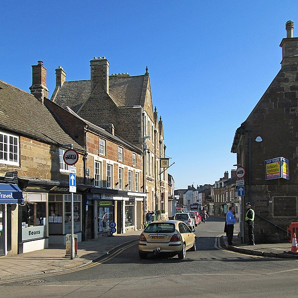 Uppingham: High Street East