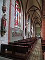 Hilbringen St. Petrus in Ketten Innen 09.JPG