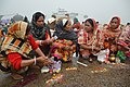 Hindu Devotees Pray To Surya - Makar Sankranti Observance - Baje Kadamtala Ghat - Kolkata 2018-01-14 6877.JPG