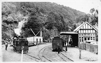 Walhalla railway station - Image: Historic photo of Walhalla railway station ~1926