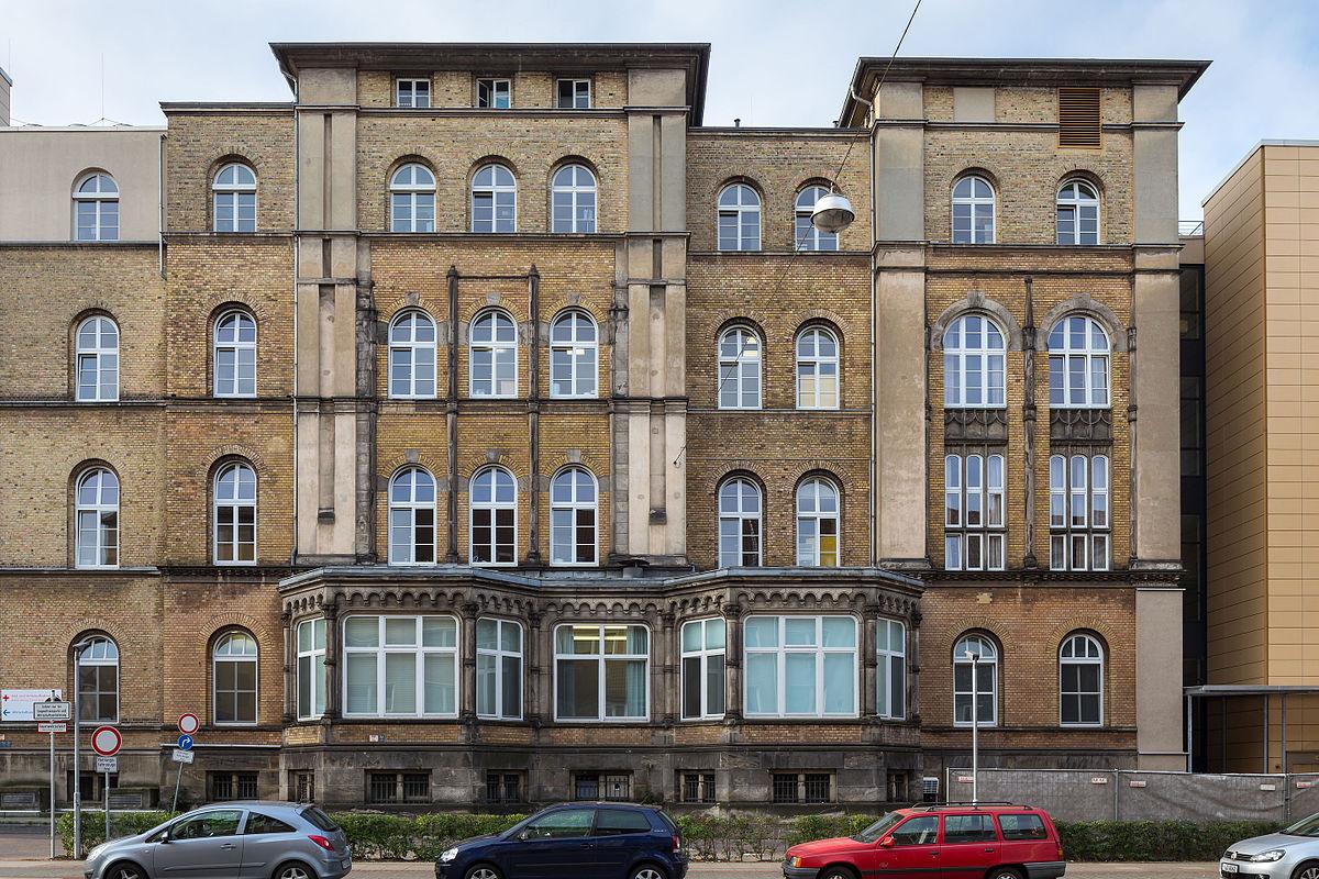 Krankenhaus diakovere henriettenstift wikipedia for Zimmer hannover