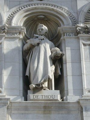 Jacques Auguste de Thou - Statue of de Thou by Jean Barnabé Amy on the facade of the Hôtel de Ville, Paris
