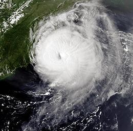 Ураган Эмили 31 августа 1993 2059Z.jpg