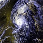 Hurricane Iniki 11 septembro 1992 2358Z.jpg