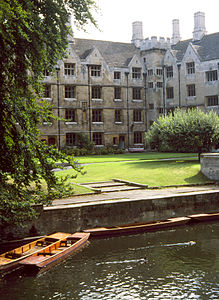 Idle Punts At King's College.jpg