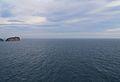 Illa del Descobridor i la mar.JPG