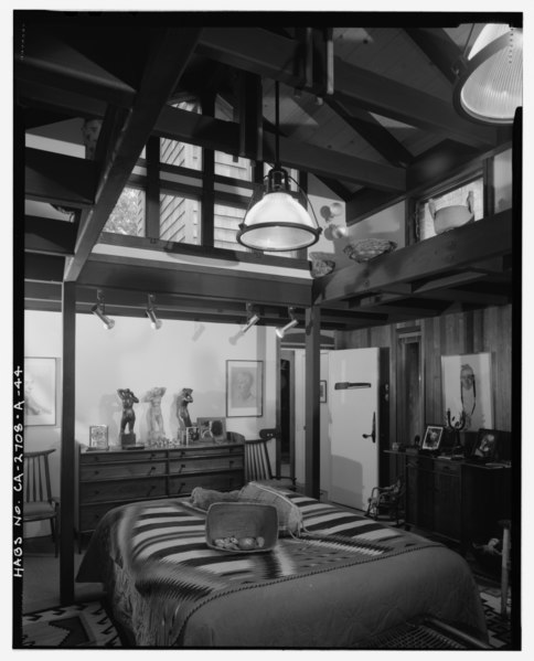 File:Interior main residence master bedroom view (vert) facing southwest. - Sam and Alfreda Maloof Compound, Main Residence and Workshop, 9553 Highland Avenue, Rancho Cucamonga, San HABS CAL,36-RANCU,3A-44.tif