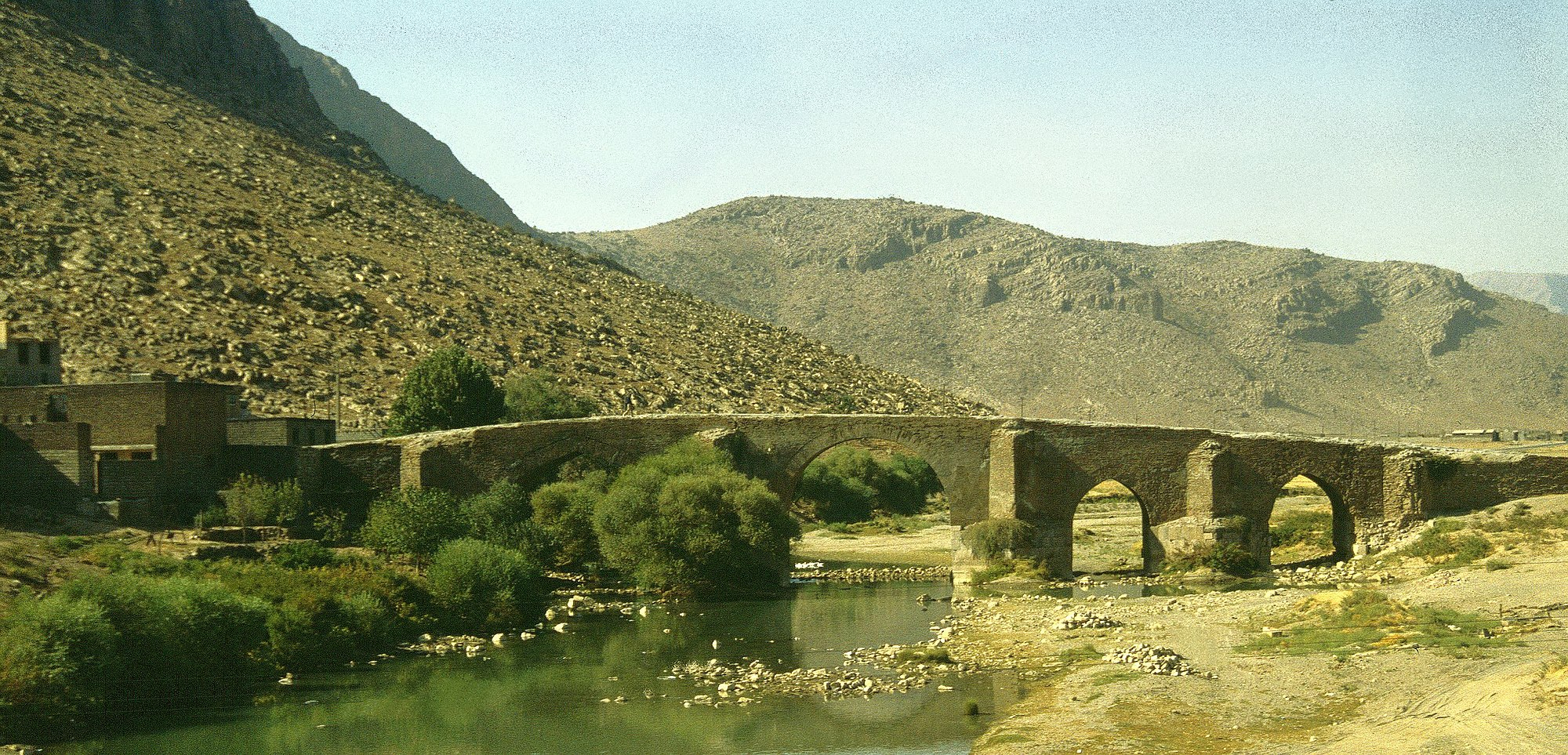 پل بیستون