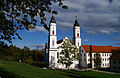 Irsee - Klosterkirche v NW, Herbst 04.JPG