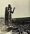 Isaac Hayes at Tulane Stadium 24 October 1970.jpg