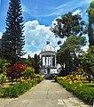 Itagui cemetery rotunda 04.jpg