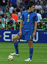 Luca Toni in azzurro durante la finale dei Mondiali 2006.