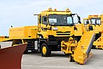 JASDF snow plow track(UD Quon, 47-8559) right front view at Komatsu Air Base September 17, 2018 01.jpg