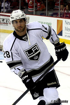 Jarret Stoll - Los Angeles Kings.jpg