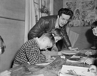Jens Bjørneboe - Image: Jens Bjørneboe underviser Rudolf Steinerskolen i Oslo 1952