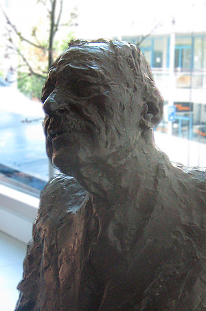 Louis Laybourne Smith - Bust of Louis Laybourne Smith by sculptor John Dowie at the University of South Australia