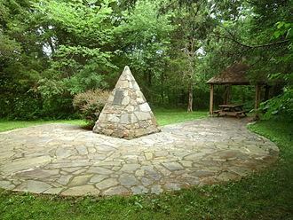 John Marshall Birthplace Park - Monument at John Marshall birthplace