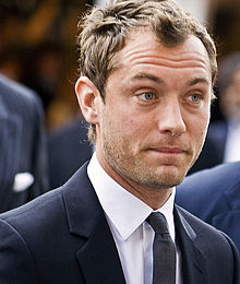 Jude Law - 2020 Brown/Black hair & casual hair style.