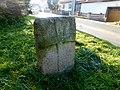 Křížový kámen 1 u tvrze v Kamenici (Q104975666).jpg