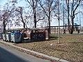 K Olympiku, přístřešek na popelnice a Sokolovská, přístřešek ČSAD.jpg