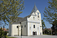 Kath. Pfarrkirche Mariae Himmelfahrt in Prottes.jpg