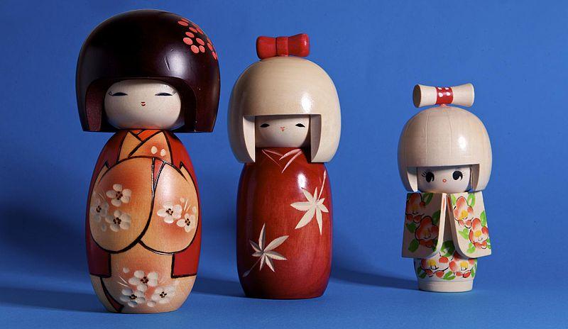 File:Kokeshi Kids (3226190411).jpg
