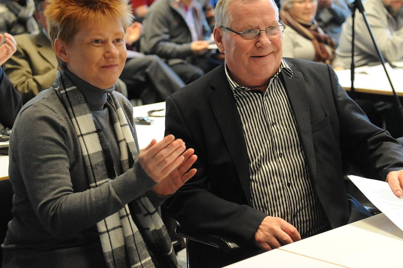 Konferenz Willkommen zu Hause? - Situation der Roma in der EU - Petra Pau und Lothar Bisky.jpg