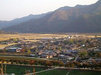 Hahoe Folk Village - Image: Korea Andong Hahoe Folk Village 02