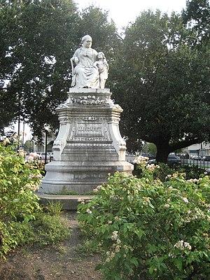 Alexander Doyle - Image: LGD Aug 07Margaret Statue Flowers