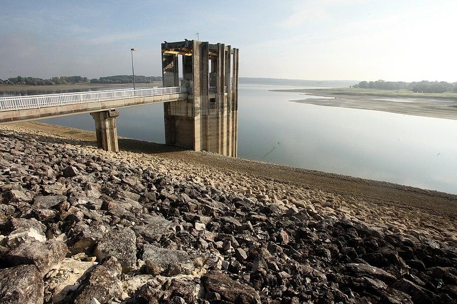 Tour de restitution du lac d'Amance (Aube).