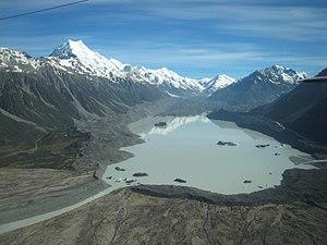 Tasman Lake - Image: Lake Tasman and Mount Cook 101 5770