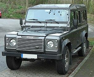 Land Rover Defender — Википедия