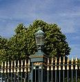 Lanterne entrée Jardin des Plantes.jpg