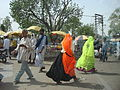 Lascar Women usually dress with bright colours, men don't (4499853648).jpg