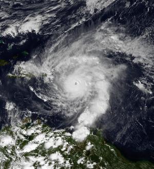 Hurricane Lenny - Image: Lenny 11 17 1999 1815Z