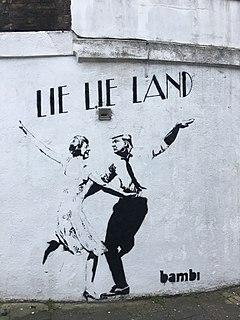 ロンドンのイズリントンにある女性ストリートアーティストのバンビグラフィティによるリーリーランド。