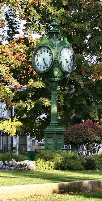 Ligonier, Indiana - Ligonier town clock.
