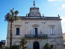 Lizzanello (LE) - municipio.JPG