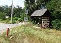 Lužice (HO), zastávka Písečný, farma.jpg