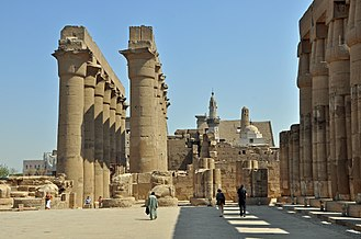 Colonnade - Image: Luxor Temple R07