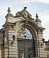Lwów , Polish , Lviv , Львов - Palace of Potocki Family - Pałac Potockich został wzniesiony w stylu francuskiego renesansu w latach 1889-90 wg projektu francuskiego architekta Ludwika Dauveregne'a przerobionego prz - panoramio.jpg
