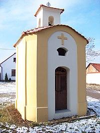 Málkov (BE), kaple se zvoničkou.jpg