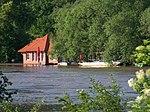 Máslovice-Dol, zaplavený převoznický domek.jpg