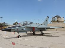 Leonardo-Finmeccanica intros new fighter/trainer variant - UPI.com