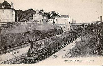 "Gare de la Bastille - Trains at Mantes-sur-Seine, ""Bidel"" carriages in use"
