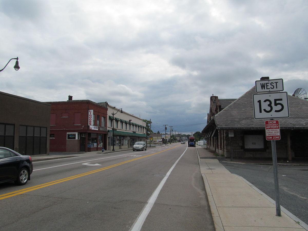 MA Route 135 westbound, Framingham MA.jpg