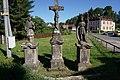 Mařenice - sochy tří svatých poblíž hostince a OÚ (1).jpg