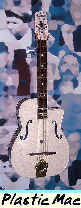 Mario Maccaferri - Maccaferri plastic guitar