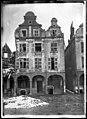 Maison - Façades des maisons de la Grande Place - Arras - Médiathèque de l'architecture et du patrimoine - APDU001344.jpg